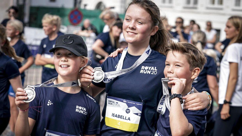 Prins Vincent, prinsesse Josephine og prinsesse Isabella efter at de har løbet one mile under Royal Run i København og på Frederiksberg.