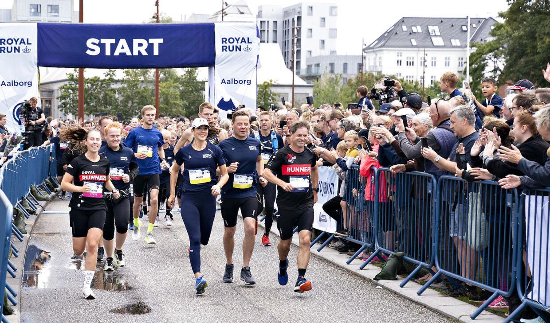 Kronprinsesse Mary løber 5 km under Royal Run i Aalborg, søndag den 12. september 2021. Her ved starten på løbet.. (Foto: Henning Bagger/Ritzau Scanpix)