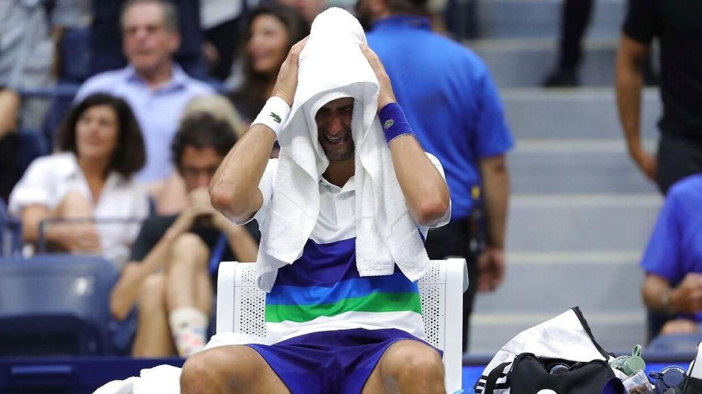 Novak Djokovic brød fuldstændig grædende sammen mod slutningen af kampen.