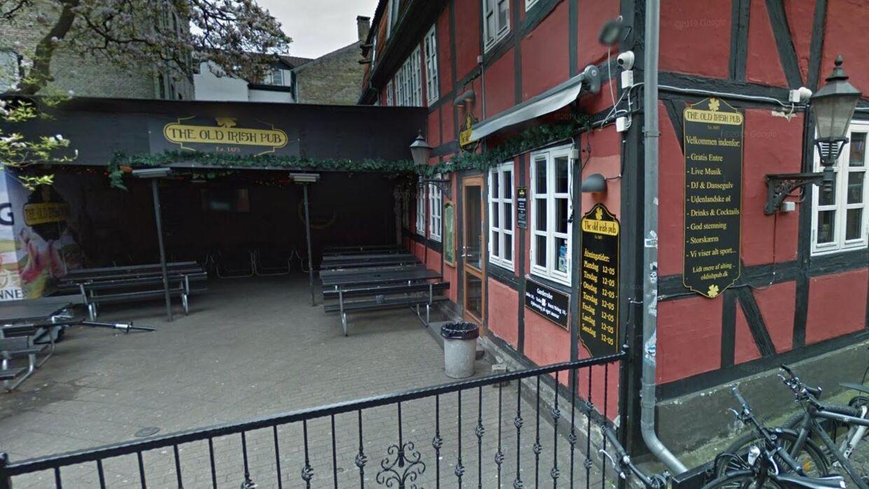 Overfaldet skete ude foran Old Irish i Odense lørdag aften, Foto: Googlæe Streetview.