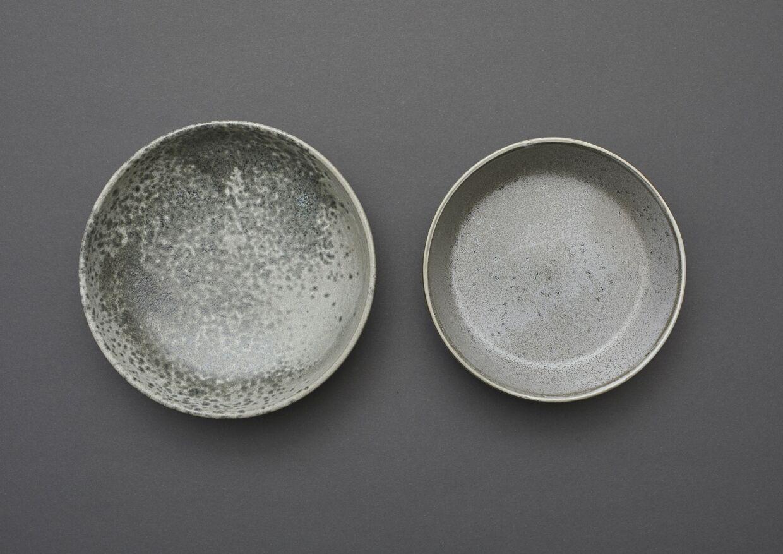 Christian Bitz er to gange blevet dømt for at have brudt keramikeren Kasper Würtz ophavsret. Her ses de to stel. Bitz tallerken er til højre.