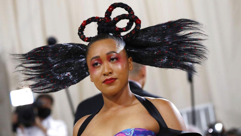Naomi Osaka overraskede på den røde løber til Met Gala.