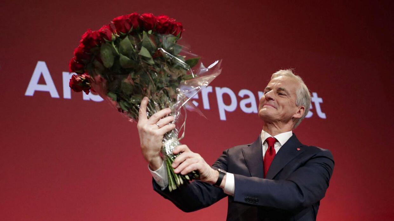 Arbeiderpartiet med Jonas Gahr Store i front, Senterpartiet og Sosialistisk Venstreparti står til flertal i Stortinget.