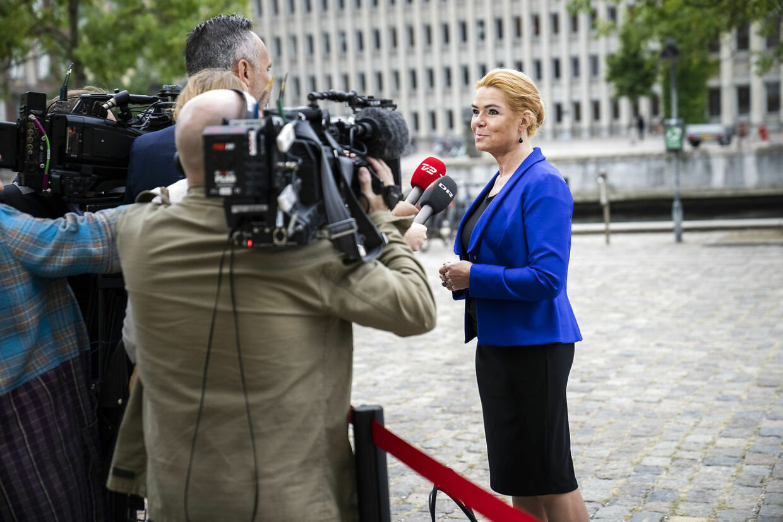 Inger Støjberg taler med pressen foran Eigtveds Pakhus, tirsdag 14. september 2021.