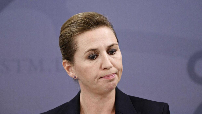 Statsminister Mette Frederiksen og rød blok taber opbakning blandt danskerne. Coronaen, som gav hende vind i sejlene, er nu væk, forklarer Søs Marie Serup