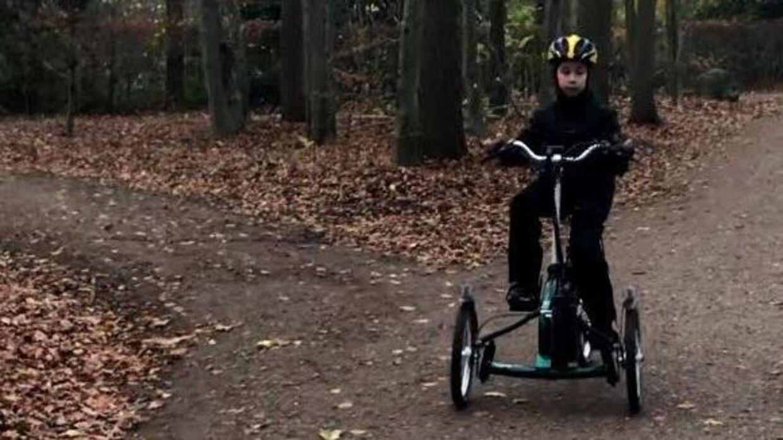 På dette billede er cyklen uden kurv. Familien fortæller dog, at der er kurv på cyklen. Privatfoto.