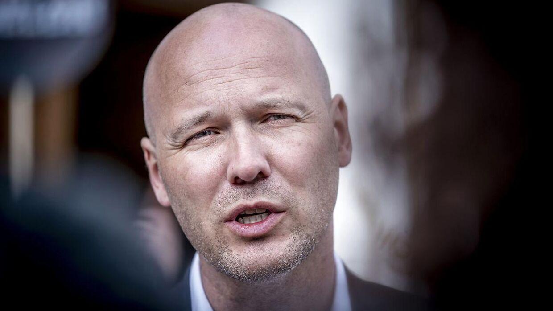 Anders Kühnau føler sig nødsaget til at udtale sig offentligt.