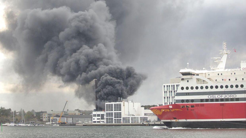 Brand i en lagerbygning i Sandefjord.