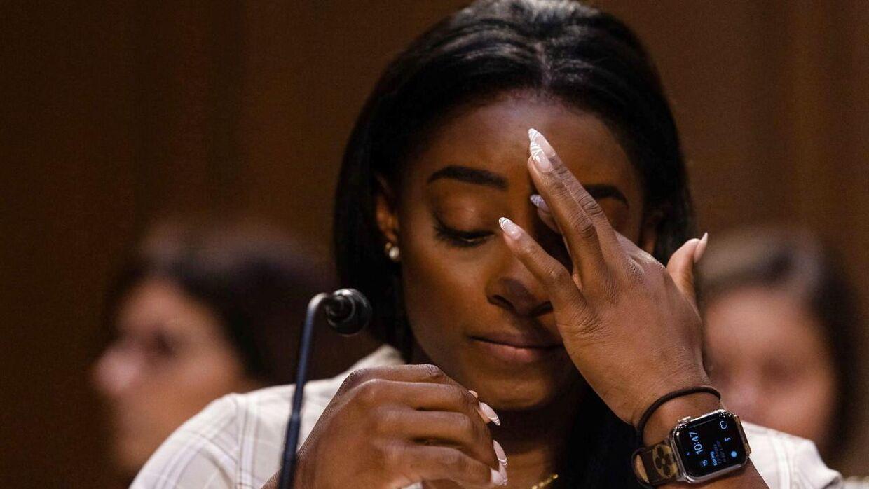 Simone Biles var dybt berørt, da hun skulle vidne.