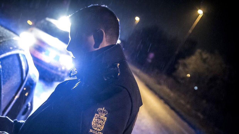 Politiet stoppede flere, men ingen som passede på signalementet af manden.