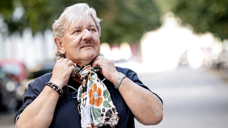 Tage Frandsen er en kulørt mand, der godt kan lide farver på sit tøj.