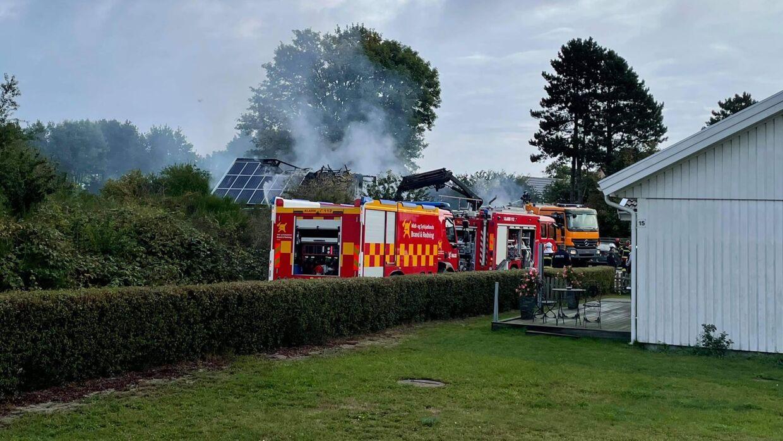En voldsom brand brød tidligt onsdag morgen ud i Opholdsstedet kernen i Hårbølle på Møn.