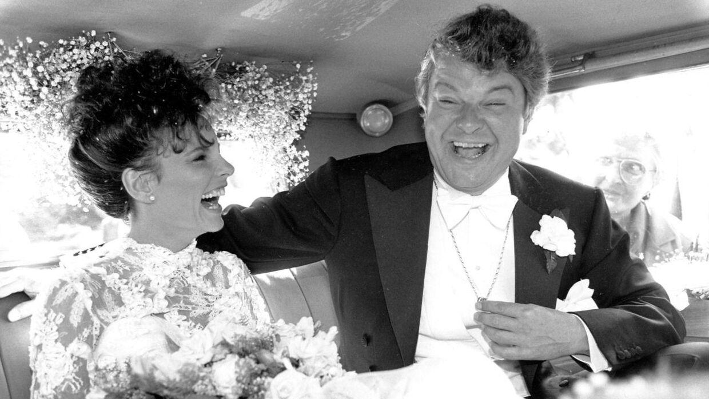 Det var også Tage Frandsen, der satte hår på Janni Spies, da hun i 1988 blev gift med Christian Kjær.