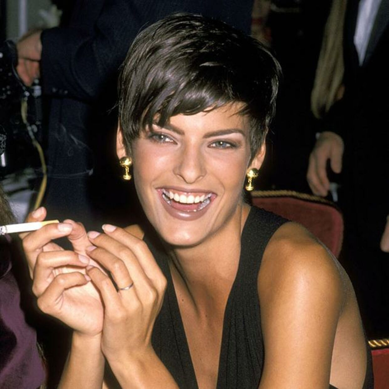 Linda Evangelista med sit karakteristiske korte hår tilbage i hendes storhedstid som supermodel i 1990'erne.