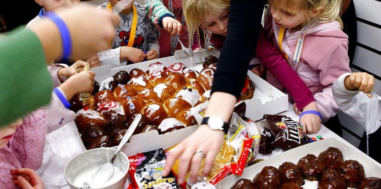 Lolland Kommune har forbudt børnene at dele ting – slik, kager, frugt med mere – ud i forbindelse med deres fødselsdag. Arkivfoto
