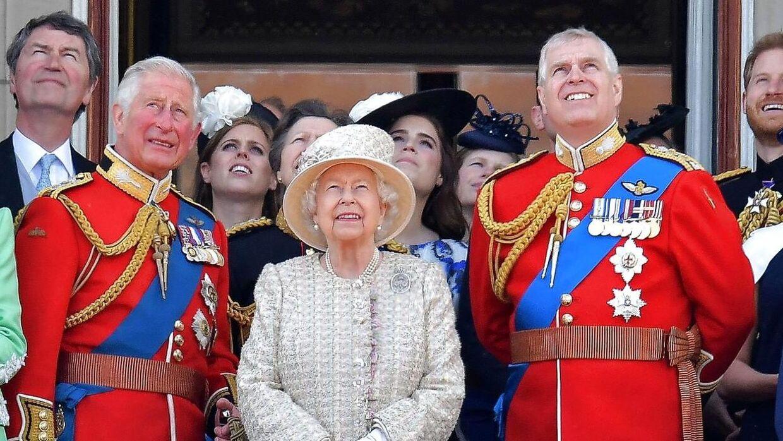 Hvis prins Andrew bliver dømt, kommer sagen også til at ramme resten af det britiske kongehus. For hvordan vil de håndtere prins Andrew?