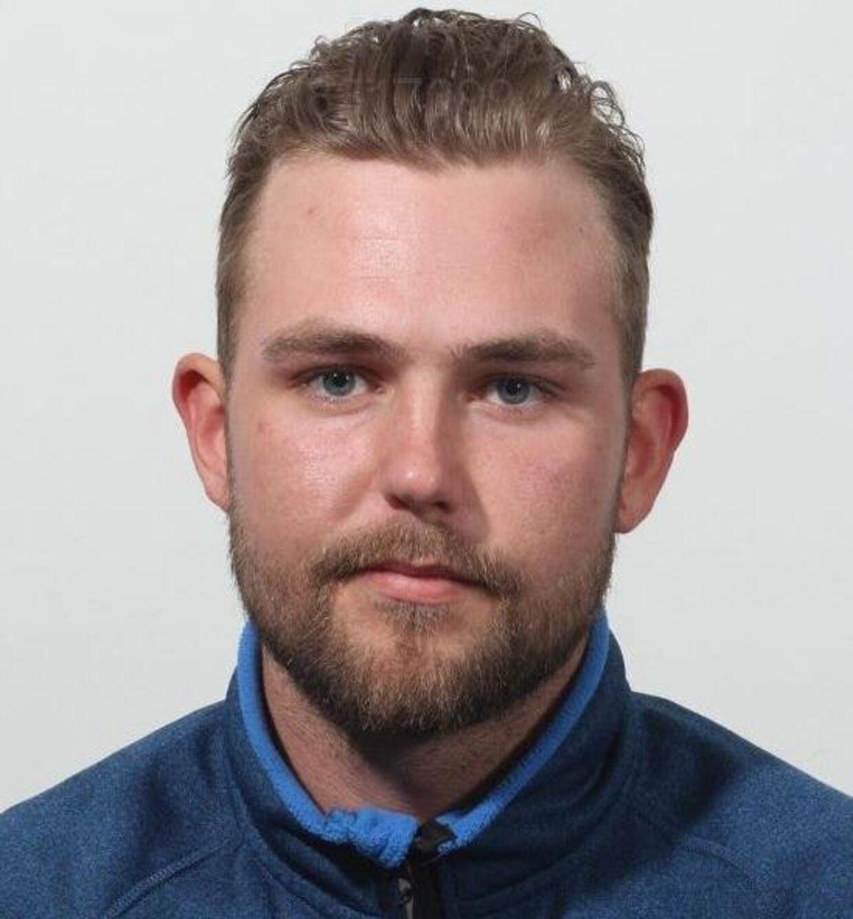 23-årige Lukas Jamie Høstmark er mistænkt for at stå bag et knivoverfald på en 34-årig mand i Taastrup onsdag.