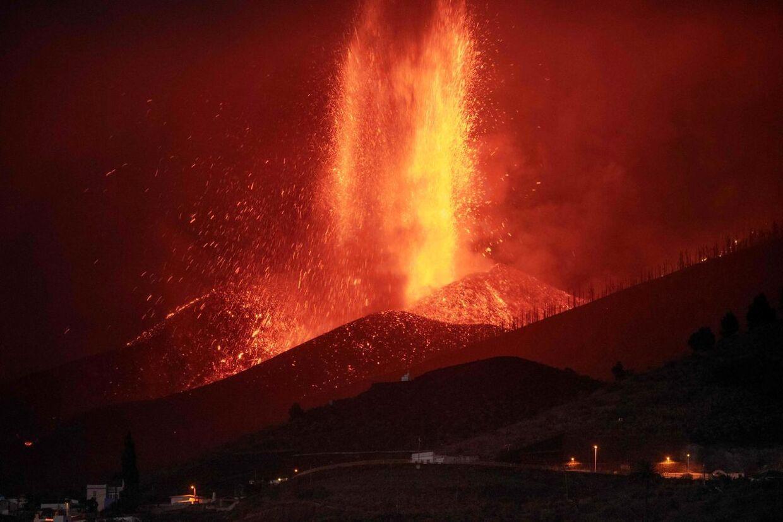 Vulkanen Cumbre Vieja på den kanariske ø La Palma er i udbrud. Over 6.000 personer er evakueret.