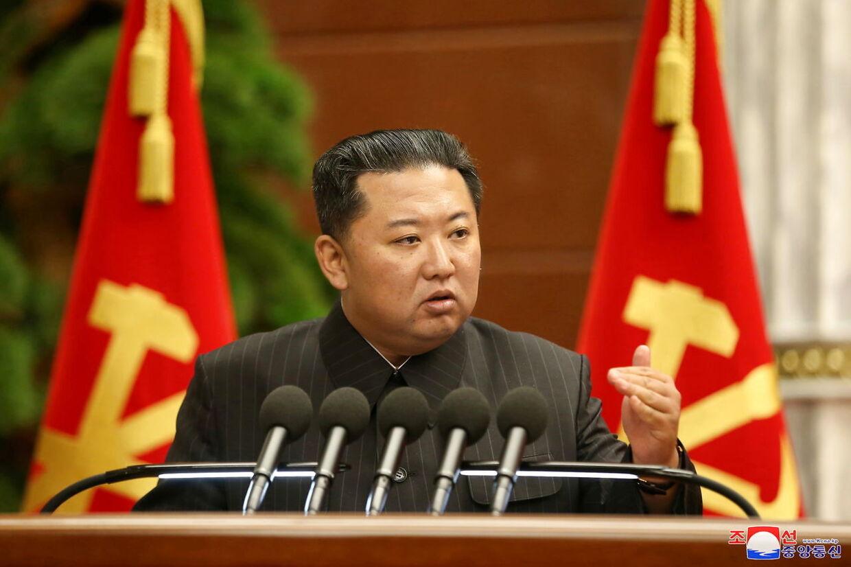 Kim Jong-un taler til politbureauet 2. september 2021.