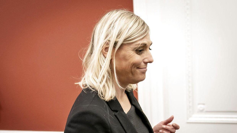 Forsvarsminister Trine Bramsen beskrives af både politiske venner og modstandere som en meget flittig og omsorgsfuld person.