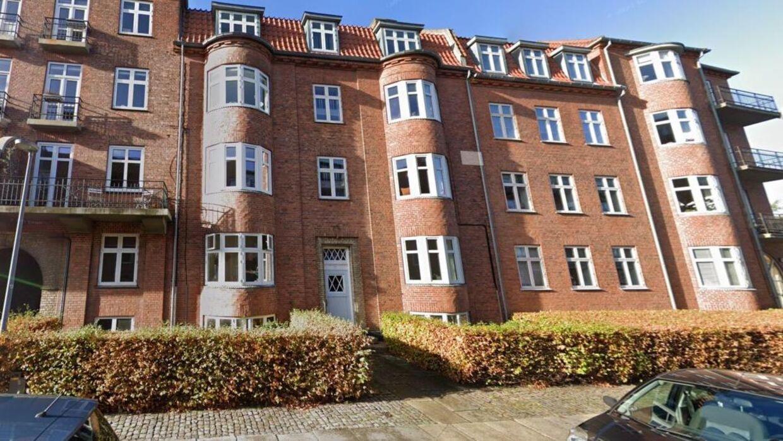 Det er her på Borgmestervænget i Aalborg, at Frank Jensen har en tom lejlighed stående det meste af året – på trods af at der er bopæspligt i kommunen.