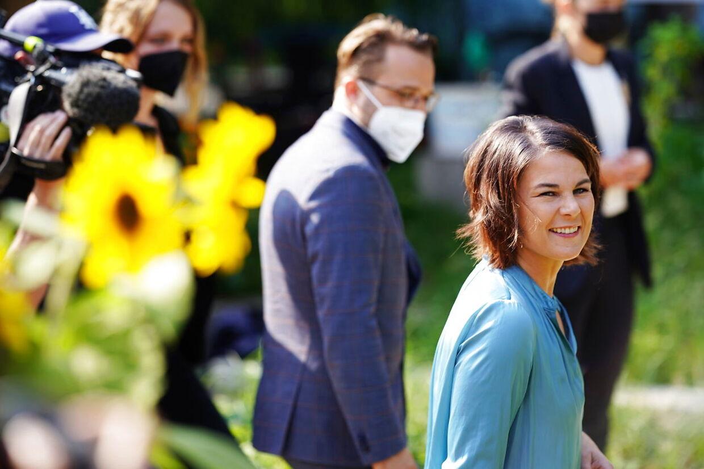 Annalena Baerbock (R) på valgdagen 26 september 2021.