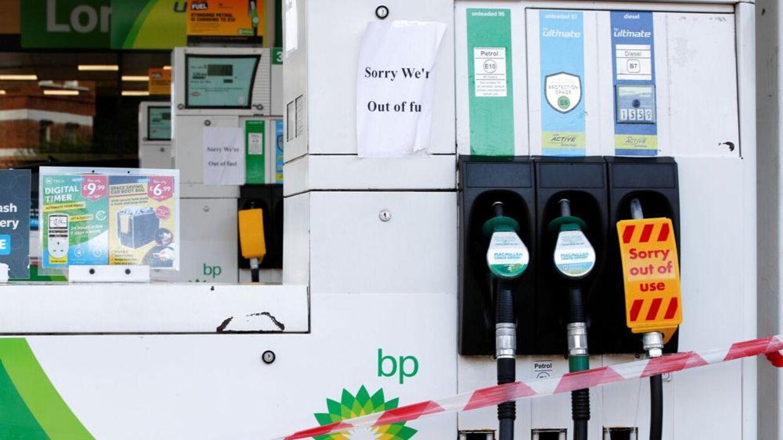 BP har erkendt, at hver tredje af deres tankstationer i Storbritannien er løbet tør for benzin. Foto: Paul Childs/Reuters