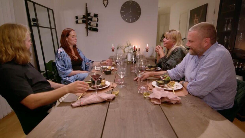 Denne uges deltagere i 'Til middag hos' er Stephanie Karma Salvarli, Kasper Fisker, Karina von D'Ahé og Ole Kibsgaard.