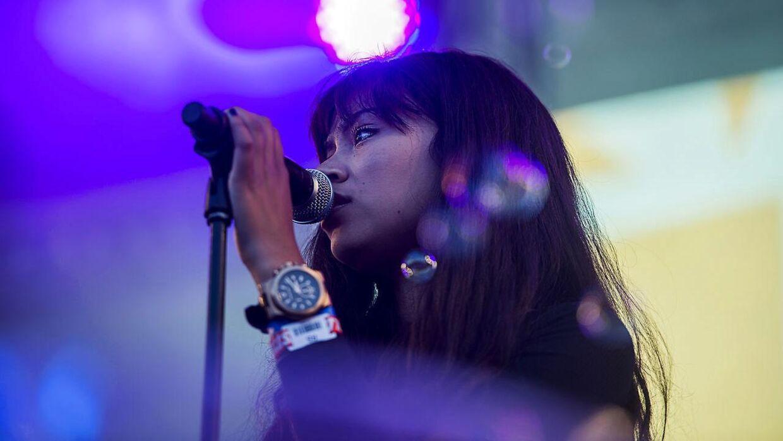 Kwamie Liv udgav sin første EP i 2014, og året efter optrådte hun på Apollo-scenen til Roskilde Festival.