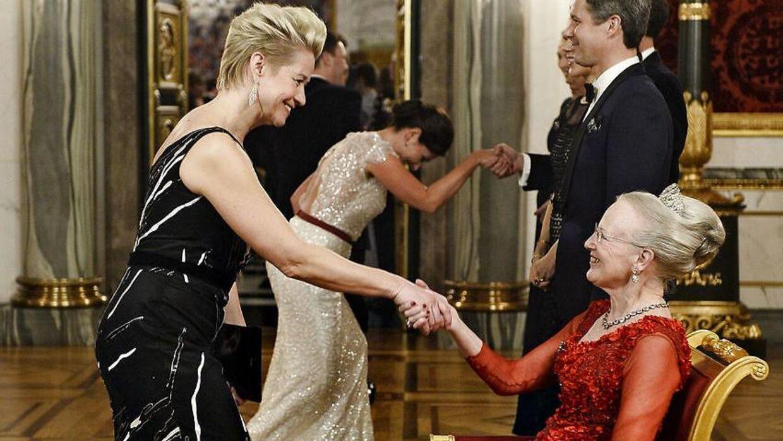 Trine Dyrholm har mødt dronning Margrethe ved flere lejligheder. Her til kulturbal i 2016.