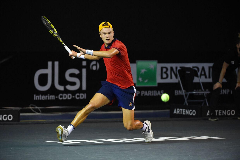 Holger Rune er klar til kvartfinalen i en tennisturnering i franske Orleans efter sejr i to sæt torsdag. (Arkivfoto) Dubreuil Corinne/Abaca/Ritzau Scanpix