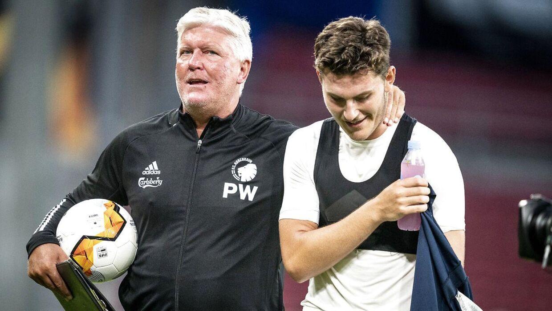 Per Wind sammen med sin søn, FCK-angriberen Jonas Wind.