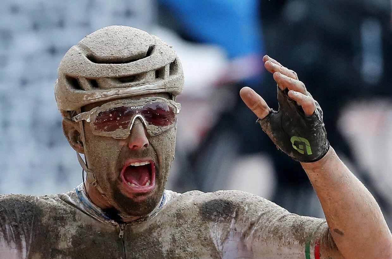 Sonny Colbrelli kunne nærmest ikke tro det, da han vandt 2021-udgaven af Paris-Roubaix.