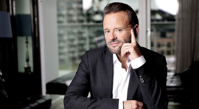 Stylist, makeupartist og frisør Dennis Knudsen.