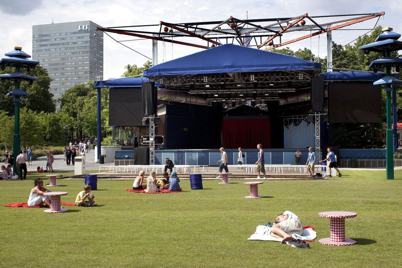 Plænen i Tivoli lægger normalt græs til adskillige koncerter hvert og andre arrangementer hvert år. (Arkivfoto) Jens Nørgaard Larsen/Ritzau Scanpix