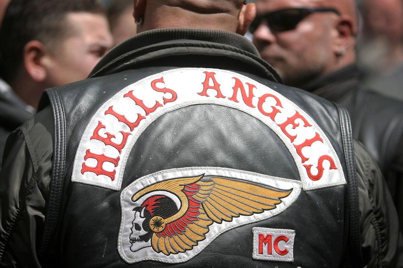 Forskellige beklædningsstykker med Hells Angels symboler blev fundet, da spansk politi anholdt tre danske statsborgere i Marbella i en tilsyneladende meget stor narkosag. Arkivfoto.