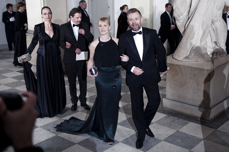 Casper Christensen og Iben Hjejle på vej til regentparrets aftenselskab for kultur og sport på Christiansborg i 2009.