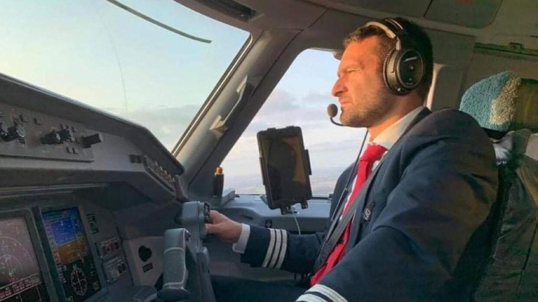 Thomas Hugo Møller er selv uddannet pilot og har til tider selv siddet i cockpittet af Great Dane Airlines' flyvemaskiner. Om fremtiden byder på et fuldtidsjob som pilot, er endnu uklart.
