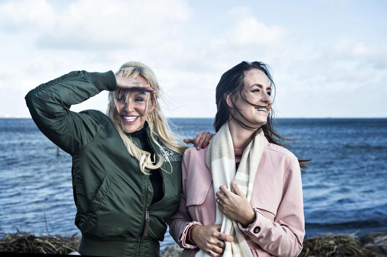 Linse Kessler med sin datter Stephanie 'Geggo' Salvarli i 2017.