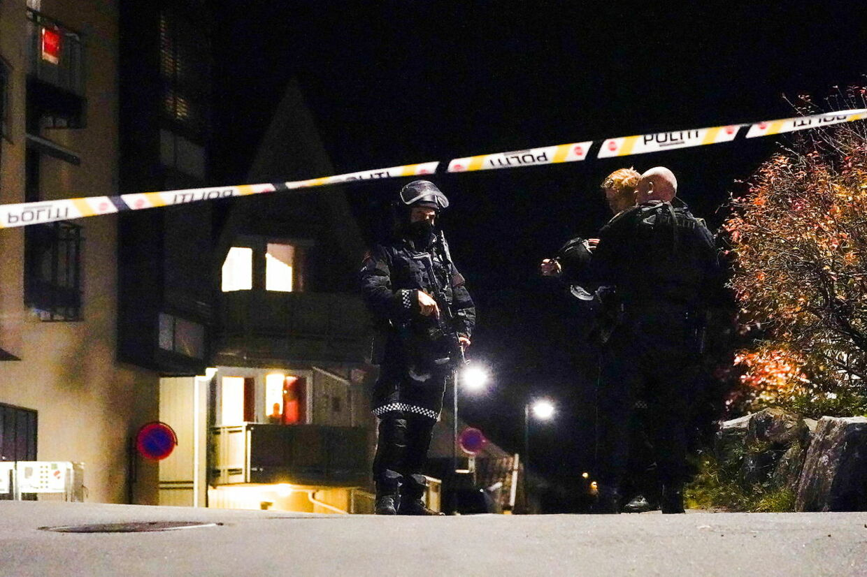 Police officers investigate after several people were killed and others were injured by a man using a bow and arrows to carry out attacks, in Kongsberg, Norway, October 13, 2021. Hakon Mosvold/NTB/via REUTERS ATTENTION EDITORS - THIS IMAGE WAS PROVIDED BY A THIRD PARTY. NORWAY OUT.NO COMMERCIAL OR EDITORIAL SALES IN NORWAY.