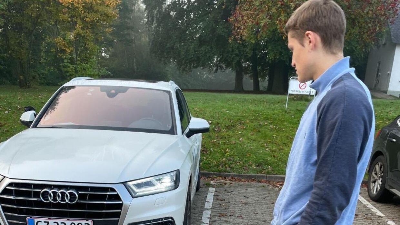 Mohamad Saadas elev stod fredag tilbage med en tom Audi, selvom de havde booket tid til en køreprøve. Foto: Mohamad Saada