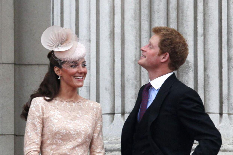 Kemien mellem Kate og svoger Harry er god.