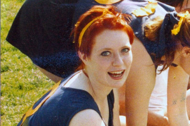 Stine Geisler døde natten efter 2. pinsedag 1990, få dage før sin studentereksamen. Hendes morder er aldrig fundet.
