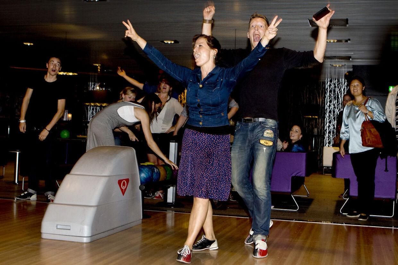 Camilla Bendix og Michael Olesen er oddset til at vinde dette års Vild med dans. Her ses parret i vinderposition fra en bowling seance torsdag aften i DGI Byen.
