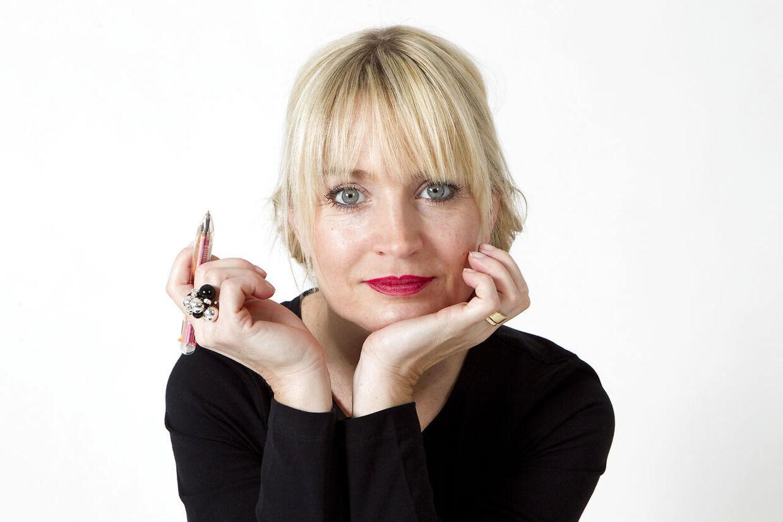 Sangerinde, forfatter og TV-vært, Annette Heick (klummebilleder)