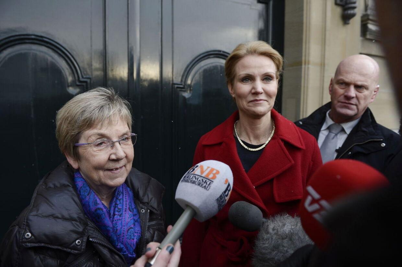 OBS OBS OBS STRAX BILLEDE !!!! Marianne Jelved bliver præsenteret som ny kultur minister efter Uffe Elbæk
