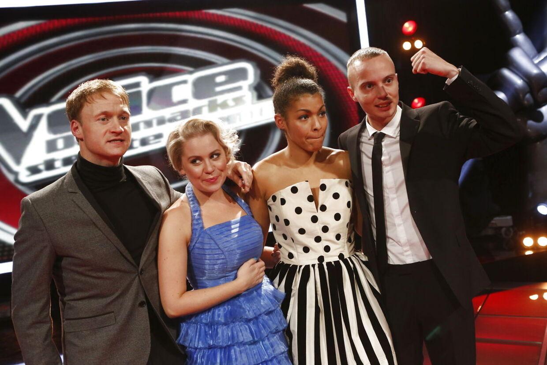 Her er de fire finalister i 'Voice - Danmarks største stemme.' Christian Krogh (tv), Emilie Päevatalu, Dianna Lindharth (th) eller Andreas Odbjerg bliver vinder af den eftertragtede pladekontrakt og titlen som 'Danmarks største stemme'.