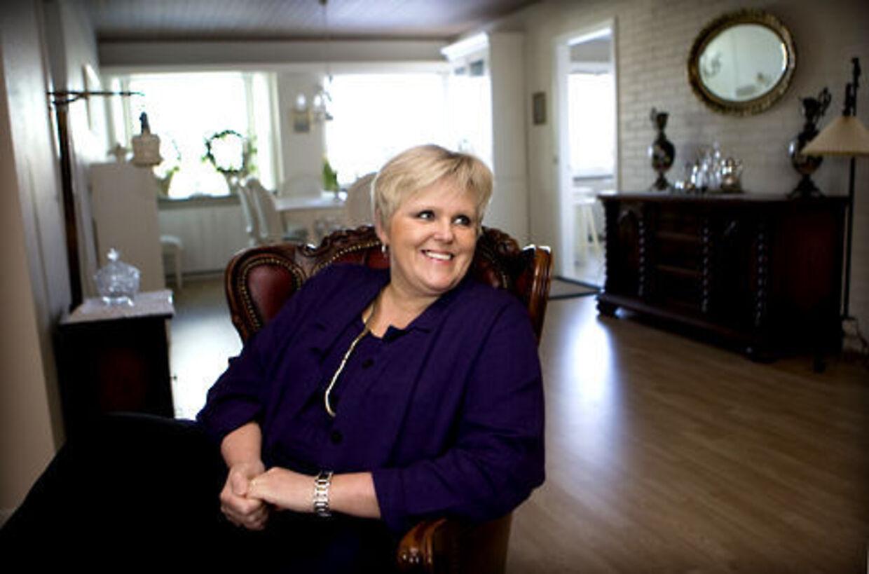 Ruth Evensen har igen magten i Faderhuset. Hun fyrede sin søn.