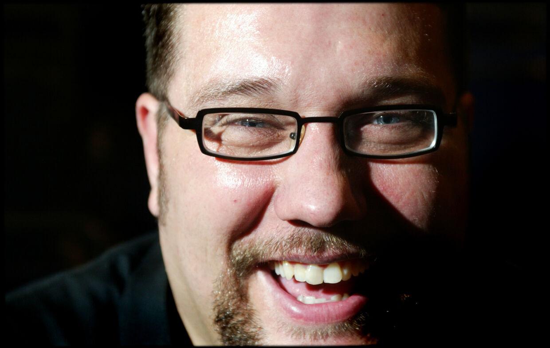 Den ellers så glade Amin Jensen er rystet over at være løjet død på Facebook.