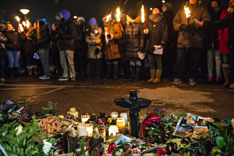 Fakkeloptog for den skuddræbte 19-årige Jonathan Taboryski i Høje Gladsaxe. Blandt de mange fremmødte var også Jonathans familie.